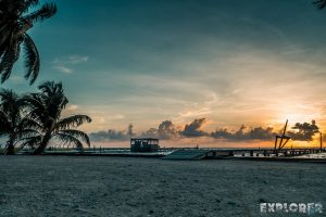 Belize Caye Caulker Sunrise Beach Backpacker Backpacking Travel
