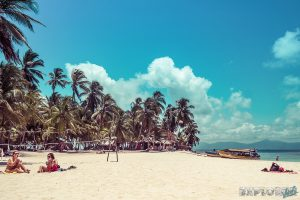 Panama San Blas Kuna Yala Isla Perro Dog Island Volleyball Backpacking Backpacker Travel