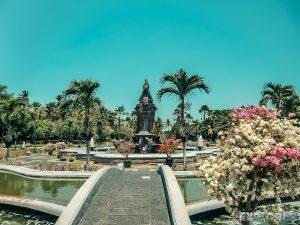Indonesia Bali Nusa Dua Fountain Backpacking Backpacker Travel