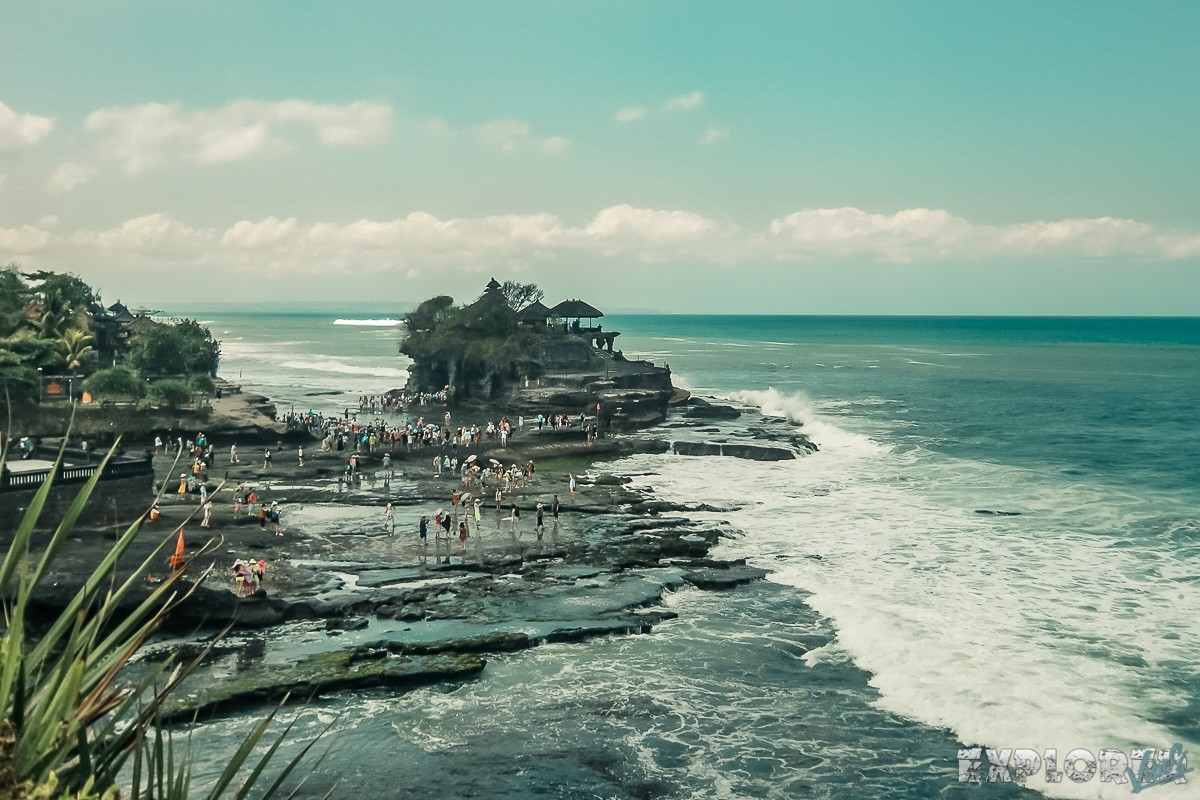 Indonesia Bali Tanah Lot Reality Tourists Backpacker Backpacking Travel