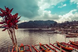 Indonesia Bali Ulun Danu Bratan Lake Backpacker Backpacking Travel
