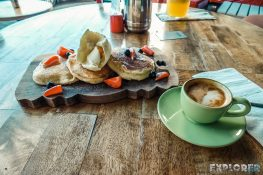 Indonesia Bali Kuta Dekuta Breakfast Pancakes Backpacker Backpacking Travel
