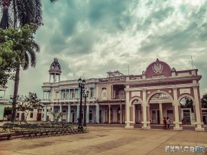 cuba cienfuegos arc de triomphe backpacker backpacking travel