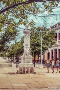 cuba cienfuegos prado backpacker backpacking travel