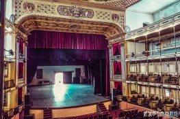 cuba cienfuegos teatro tomas terry backpacker backpacking travel 2