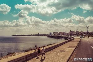 cuba havana malecon backpacker backpacking travel
