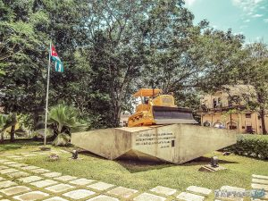 cuba santa clara che guevara tren blindado bulldozer backpacker backpacking travel