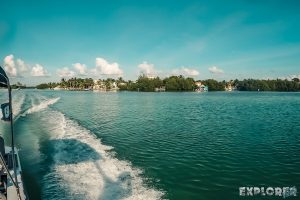 Belize Caye Caulker Scuba Diving Boat Backpacker Backpacking Travel 3