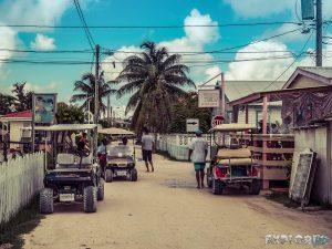 Belize Caye Caulker Street Backpacker Backpacking Travel 2