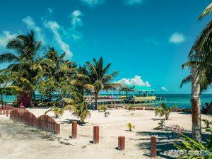 Belize Caye Caulker Street Backpacker Backpacking Travel 4