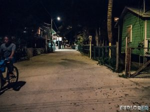 Belize Caye Caulker Street Night Backpacker Backpacking Travel 3