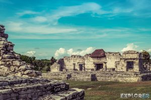 Mexico Tulum Temple Ruins Backpacker Backpacking Travel 2