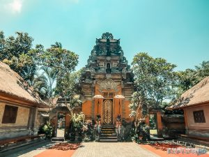 Indonesia Bali Ubud Palace Backpacking Backpacker Travel