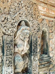 Indonesia Bali Ubud Palace Statue Backpacking Backpacker Travel 2
