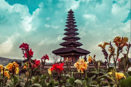 Indonesia Bali Ulun Danu Bratan Backpacker Backpacking Travel