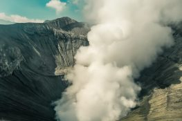 Indonesia Probolinggo Mount Bromo Caldera Fog Smoke Backpacking Backpacker Travel 2