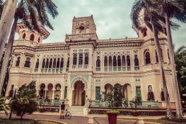 cuba cienfuegos palacio de valle backpacker backpacking travel