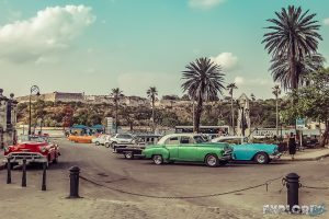 cuba havana streets oldtimer backpacker backpacking travel