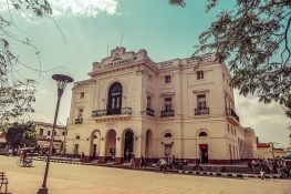 cuba santa clara Teatro La Caridad backpacker backpacking travel