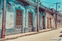 cuba santa clara colonial buildings backpacker backpacking travel
