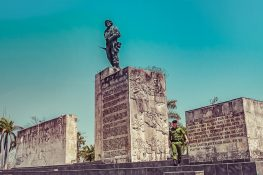cuba santa clara memorial comandante ernesto che guevara backpacker backpacking travel
