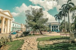 cuba santa clara parque leoncio vidal backpacker backpacking travel