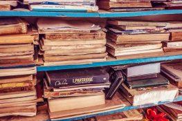 cuba trinidad Casa Calladares Books backpacker backpacking travel