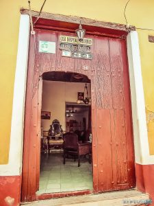 cuba trinidad casa particular jesus door backpacker backpacking travel