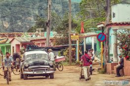 cuba vinales street oldtimer backpacker backpacking travel