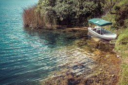 Ecuador Otavalo Laguna Cuicocha Boat Backpacking Backpacker Travel