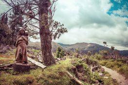 Ecuador Otavalo Laguna Cuicocha Sculpture Backpacking Backpacker Travel