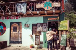 Ecuador Otavalo Peguche Bar Backpacker Backpacking Travel
