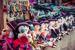 Equador Otavalo Market Dolls Backpacking Backpacker Travel