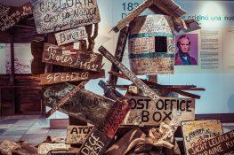 Galapagos San Cristobal Centro de Interpretacion Post Office Box Replika Backpacking Backpacker Travel