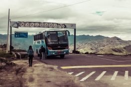 ecuador quilotoa bus backpacker backpacking travel
