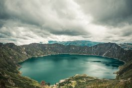 ecuador quilotoa lake backpacker backpacking travel