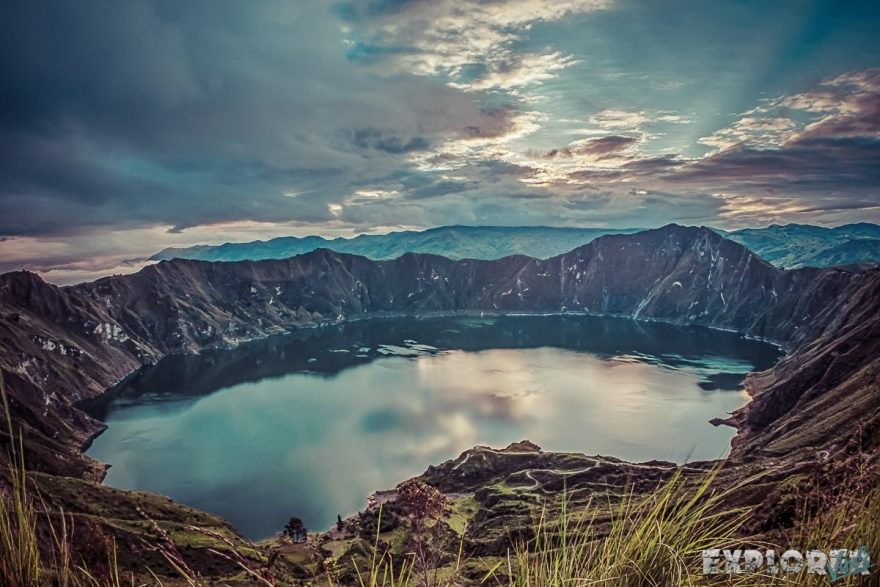 ecuador quilotoa lake sunrise backpacker backpacking travel