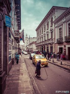 ecuador quito streets backpacker backpacking travel 3
